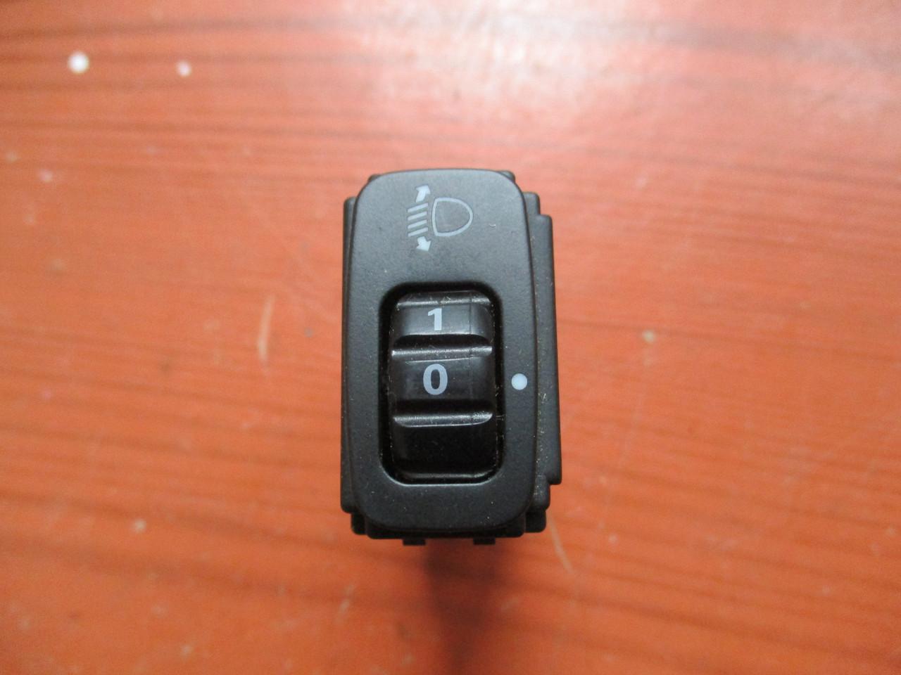 Кнопка регулировки фар MR506482 995826 Grandis Mitsubishi