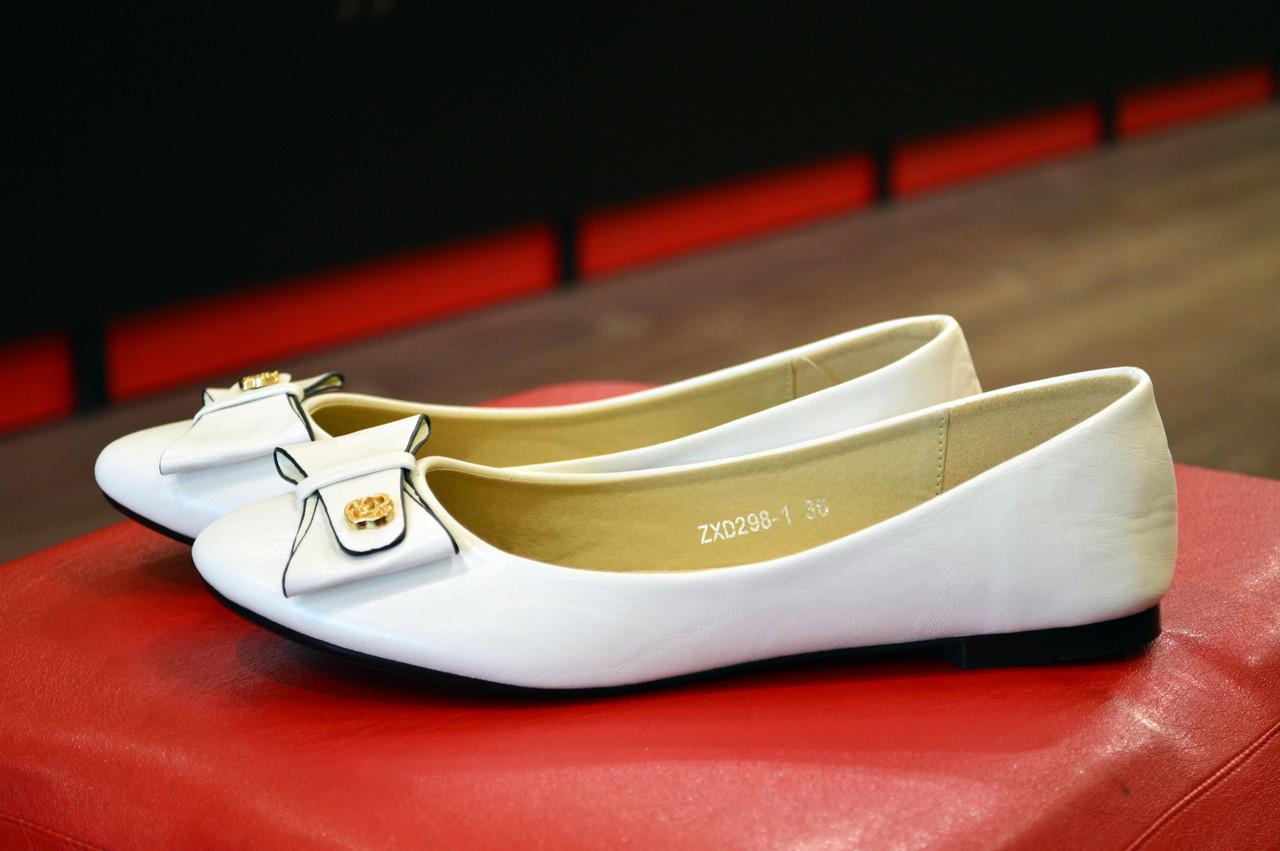 Белые женские балетки TLCOK -