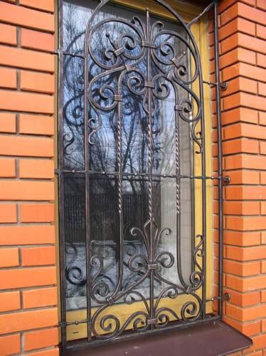 решетки на окна фото кованые