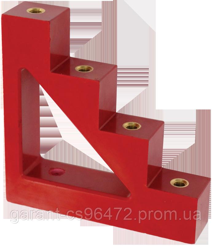 Ізолятор ступінчатий ИС4-30 М8 силовий з болтом IEK
