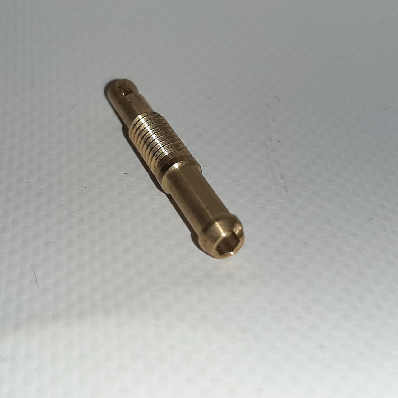 Врезка в коллектор М6 d5мм, с направляющим соплом 73003 Gomet