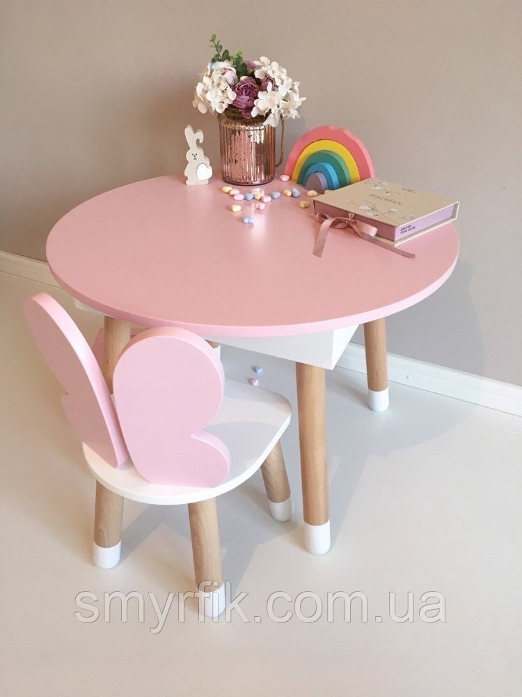 Детский стол и 1 стул (деревянный стульчик бабочка и круглый столик с пеналом)