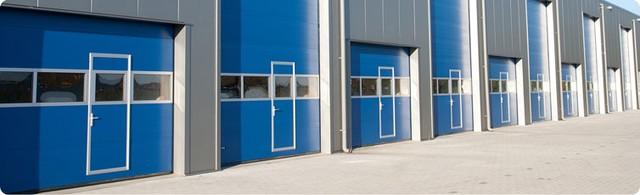 Секционные промышленные автоматические ворота Alutech