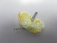 Цветок желтый с листиками и бусинками