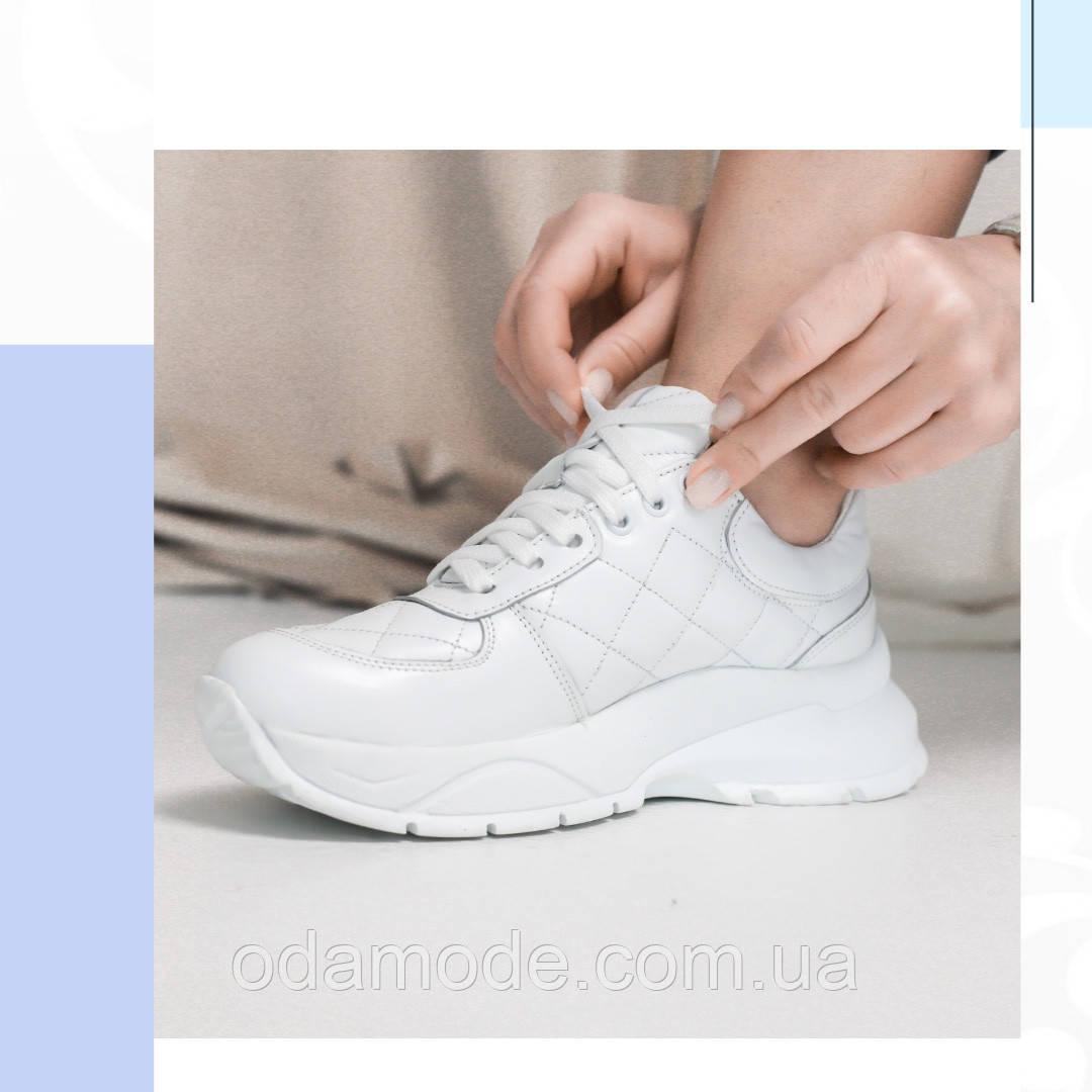 Кросівки шкіряні жіночі в білому кольорі