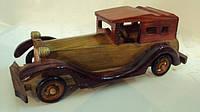 Модель деревянного ретро-автомобиля