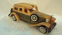 Модель дерев'яного ретро-автомобіля