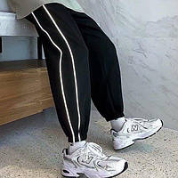 Мужские спортивные модные трикотажные штаны на манжетах с лампасами черные   Производство Турция