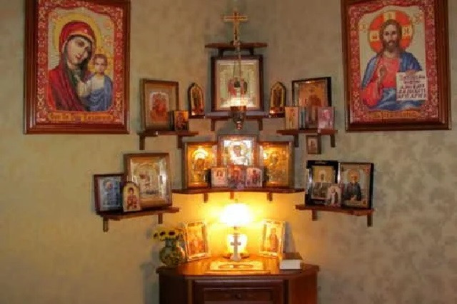 Иконы и предметы религиозной тематики, изделия из мельхиора