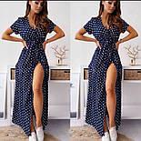 Трендовое женское платье из софта в горох с разрезом (Норма и батал), фото 4