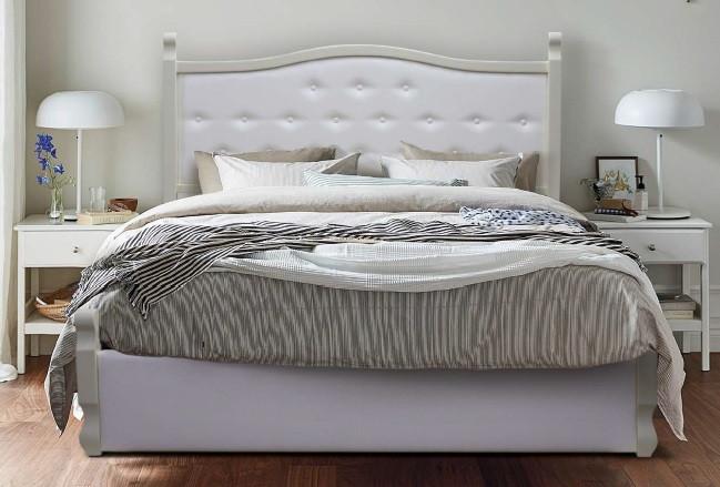 Деревянная кровать Луи