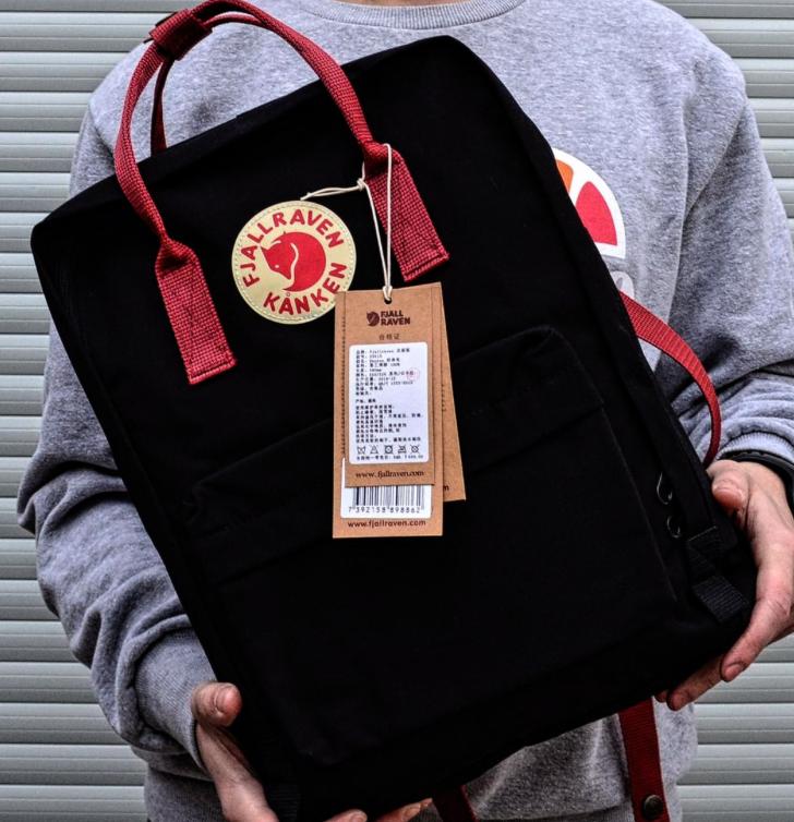 Рюкзак  Fjallraven Black/Red Kanken Bag Mini 8 литров  Топ качество  черный с бордовой  ручкой