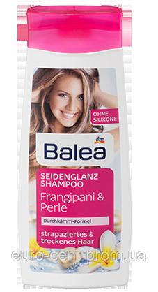 Шампунь для поврежденных и сухих волос Balea Seidenglanz-Shampoo Frangipani & Perle