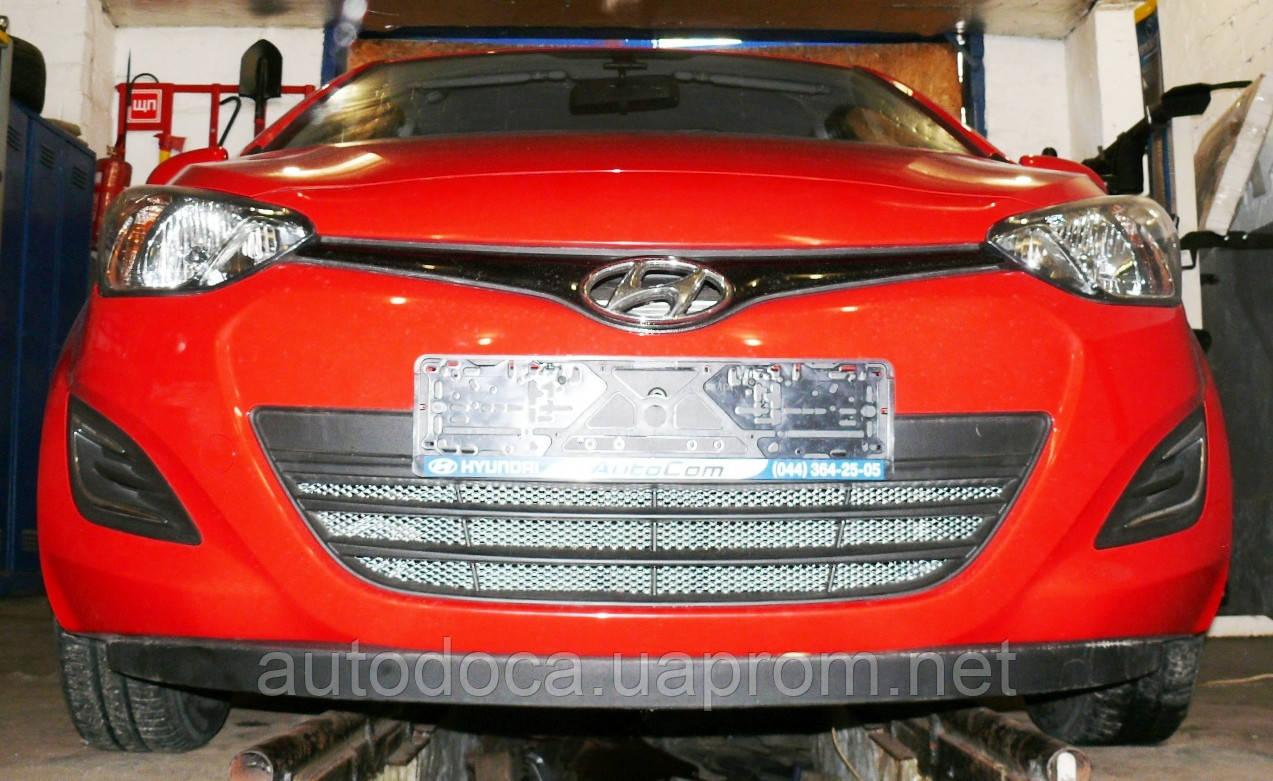 Декоративно-захисна сітка радіатора Hyundai i20 бампер