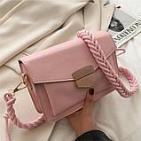 Женская розовая сумка с плетеным ремнем код 3-461, фото 3