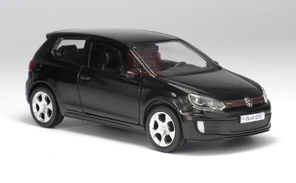 Металлическая модель Volkswagen Golf GTI, 1:36