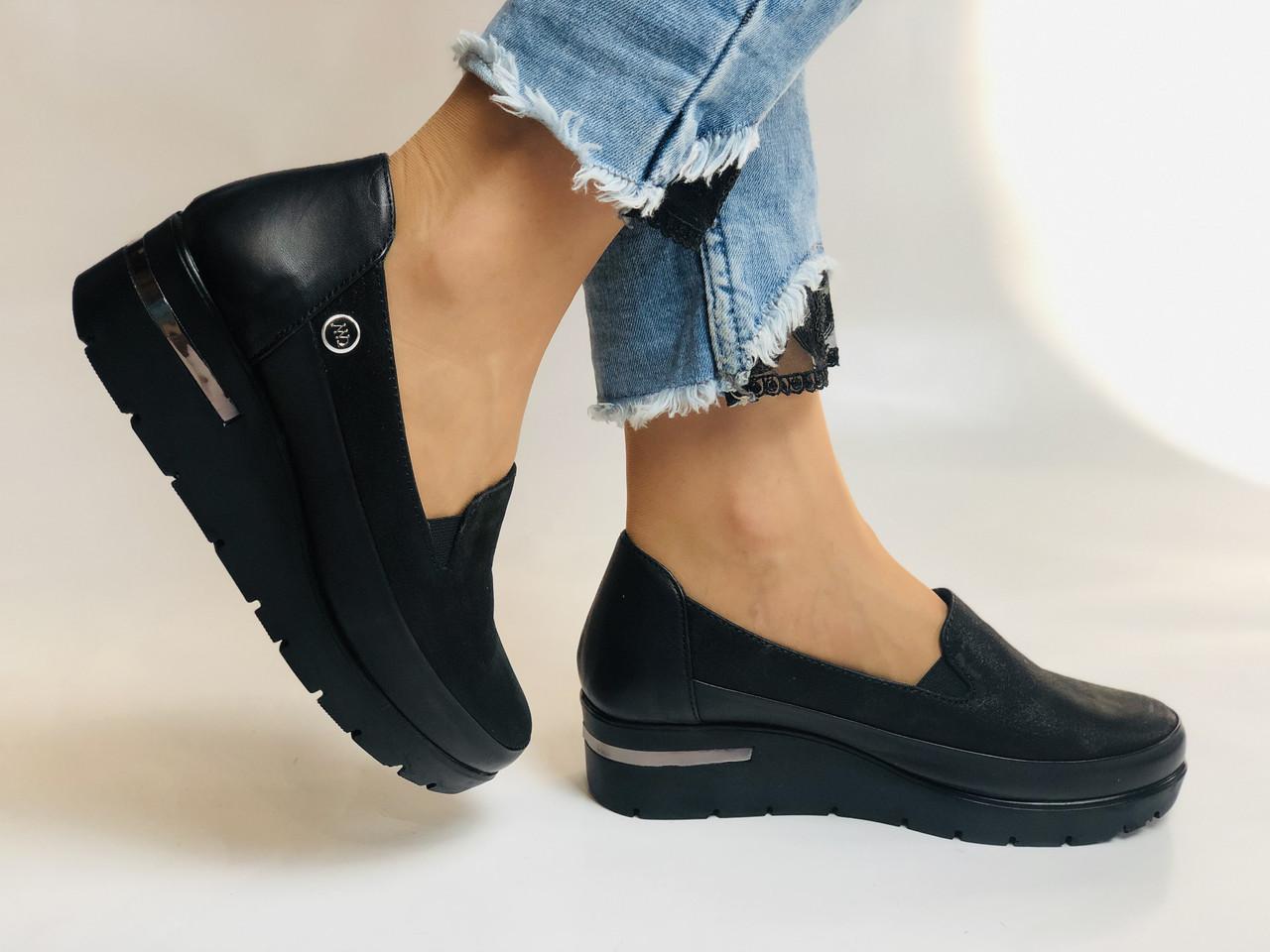 Mammamia. Жіночі туфлі на середній танкетці.Натуральна лакована шкіра.Туреччина. Розмір 35,36,38,39,40