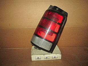 №639 Б/у ліхтар задній лівий для Dodge Caravan 1990-1995
