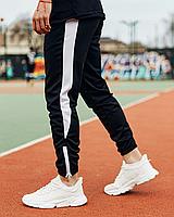 Чорні спортивні штани з білим лампасом   креп-дайвінг   унизу на блискавці, фото 1