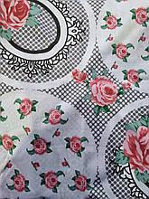 Постельное белье бязь голд люкс двуспальный бело-серый с узором из роз.