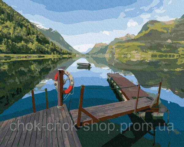 Місток на озері