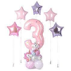 Оформление: цифра 3 розовая на подставке с мини-единорогами и 5 звезд (1 розовый металлик, 2 розовый пастель,