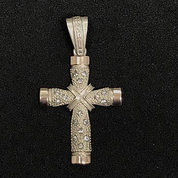 Серебряный нательный крест мужской 925 пробы с фионитами. Б/У. Серебро из ломбарда