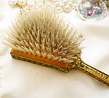 Старовинна бронзова щітка для волосся, щітка з ручкою, бронза, тканина, вишивка, дерево, Англія, вінтаж, фото 6