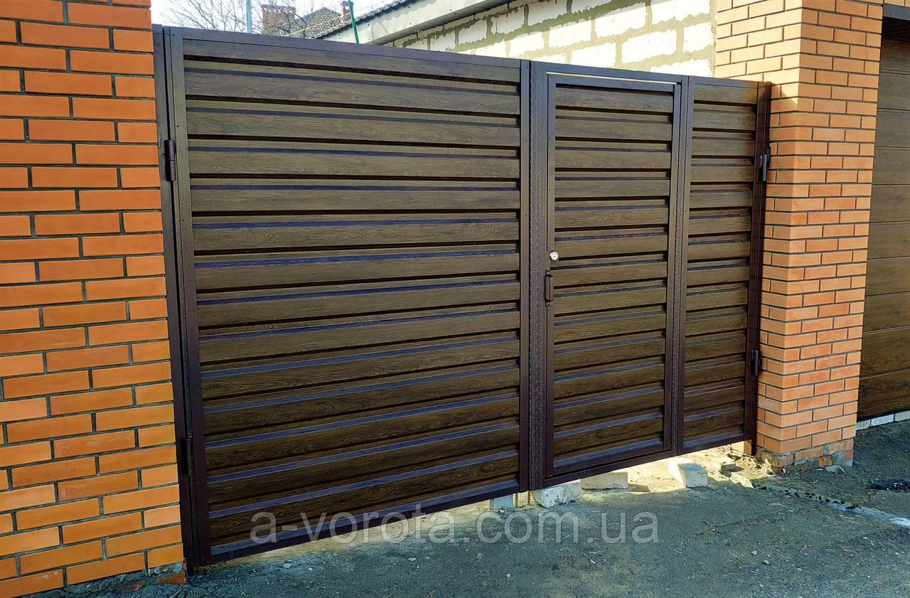 Въездные распашные металлические ворота с врезной калиткой ш3300 в2100 (дизайн профлист)