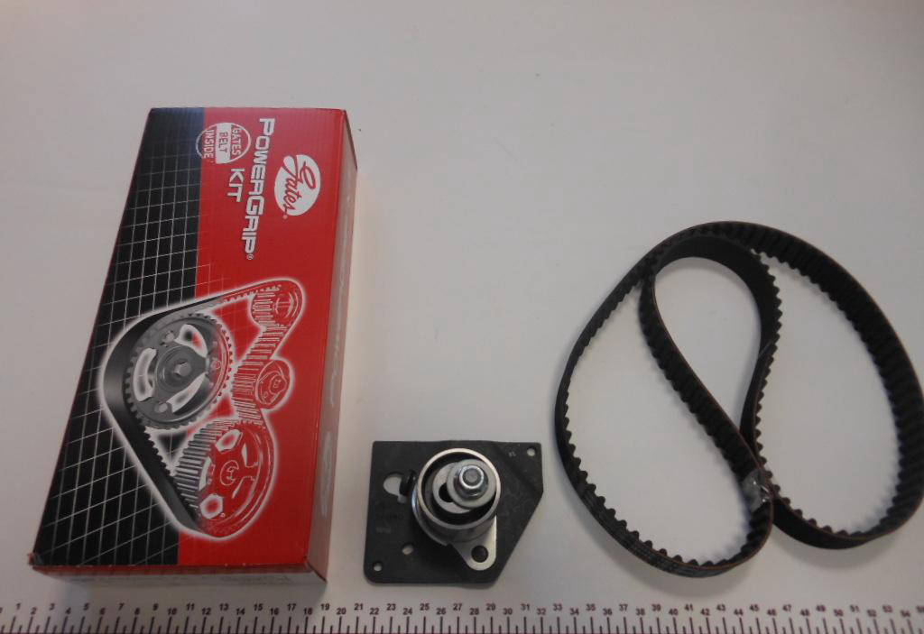 Комплект ГРМ на Renault Trafic/Opel Vivaro Gates k015223xs