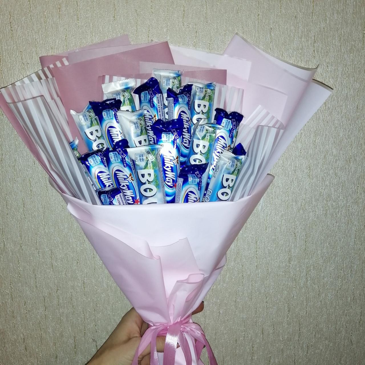Букети з цукерок Роксана шоколадні цукерки рафаелло подарунковий вітальний їстівний