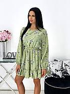 Женское короткое платье в цветочный принт с воланами на юбке, 00676 (Оливковый), Размер 42 (S), фото 2
