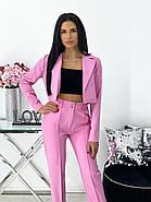 Стильний брючний костюм з коротким оригінального крою піджаком, 00687 (Рожевий), Розмір 42 (S), фото 2