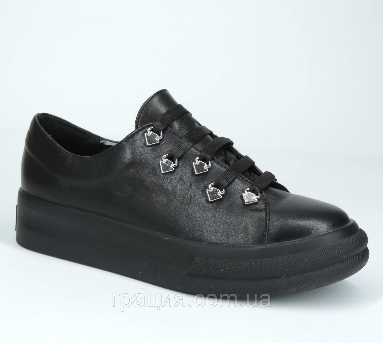 Туфлі жіночі шкіряні зі шнурівкою