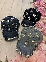 Кепка джинсова для дівчаток з намистинами Квіти розмір 54-55 см, кольору при замовленні вказуйте