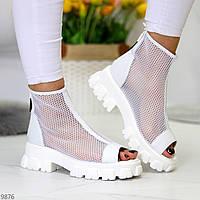 Дизайнерские модельные белые летние женские ботинки мартинсы весна-лето 2021