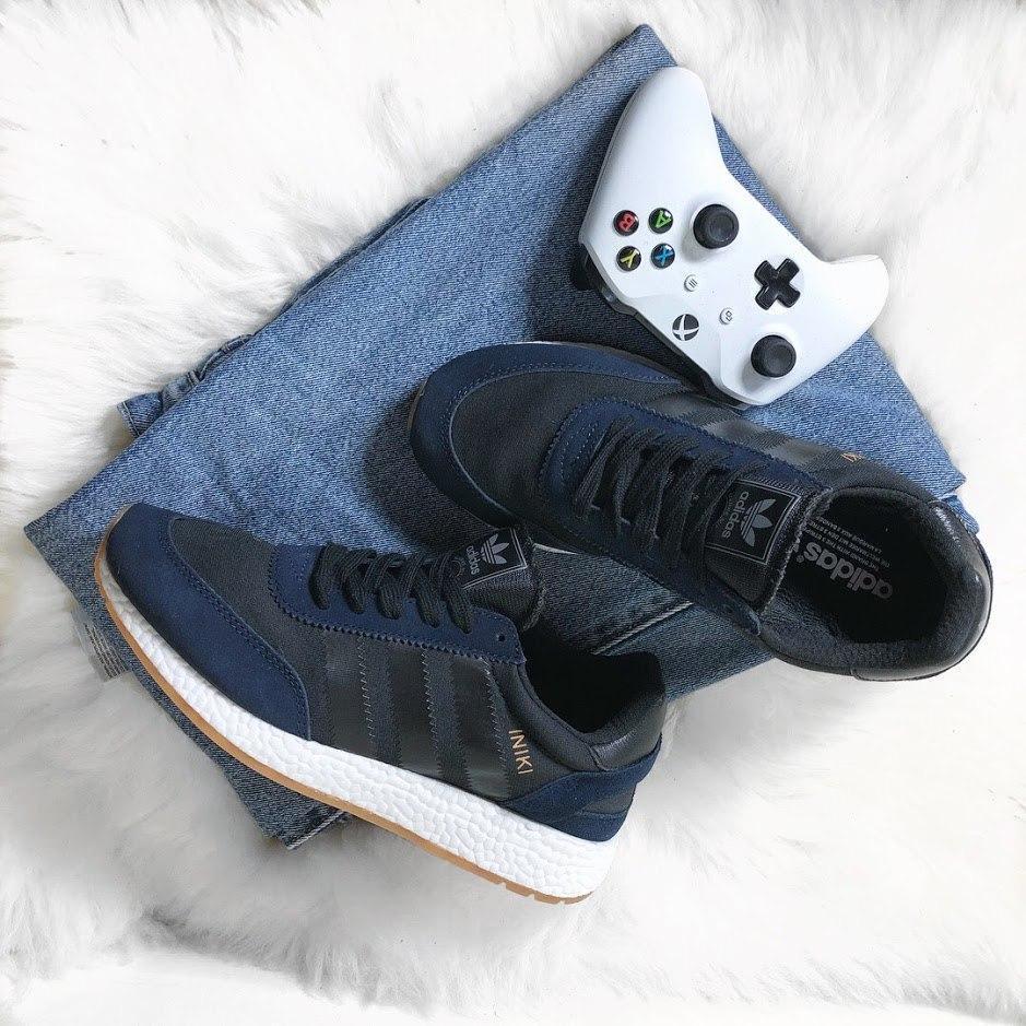 Кроссовки мужские Adidas Iniki Runner Collegiate Navy (Черный). Мужские кроссовки Адидас темно-синего цвета.