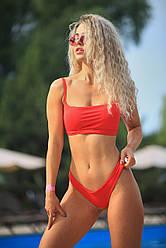 Красный купальник тройка