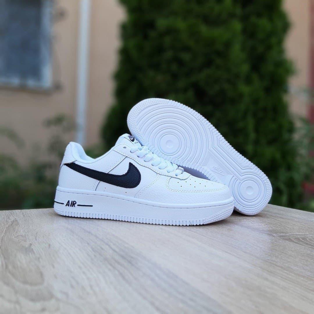 Женские кроссовки Nike Air Force 1 (белые с черным) качественная крутая обувь О20243