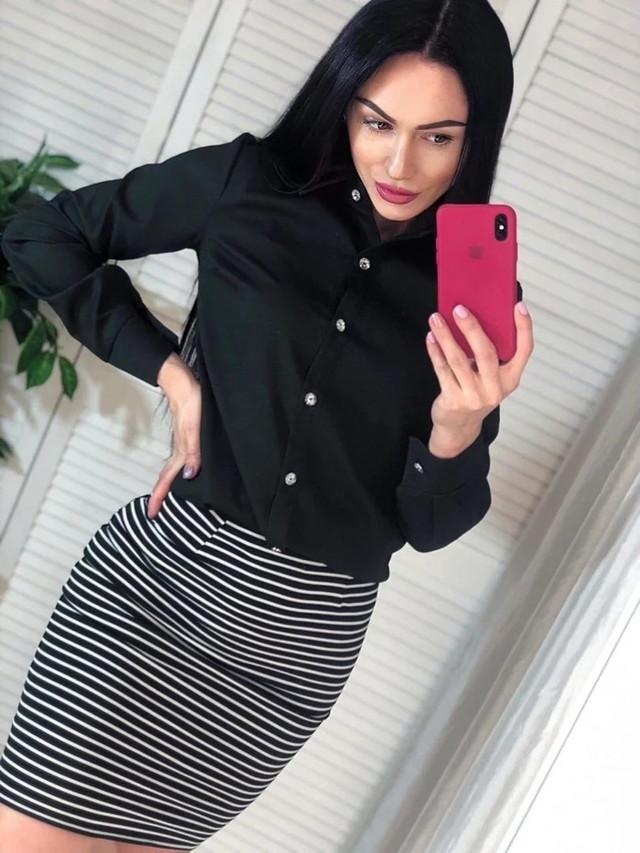 Женская шелковая блузка с пуговицами