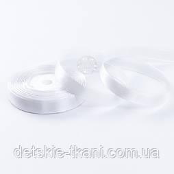 Стрічка сатиновая 12 мм білого кольору, бобіна 23 м