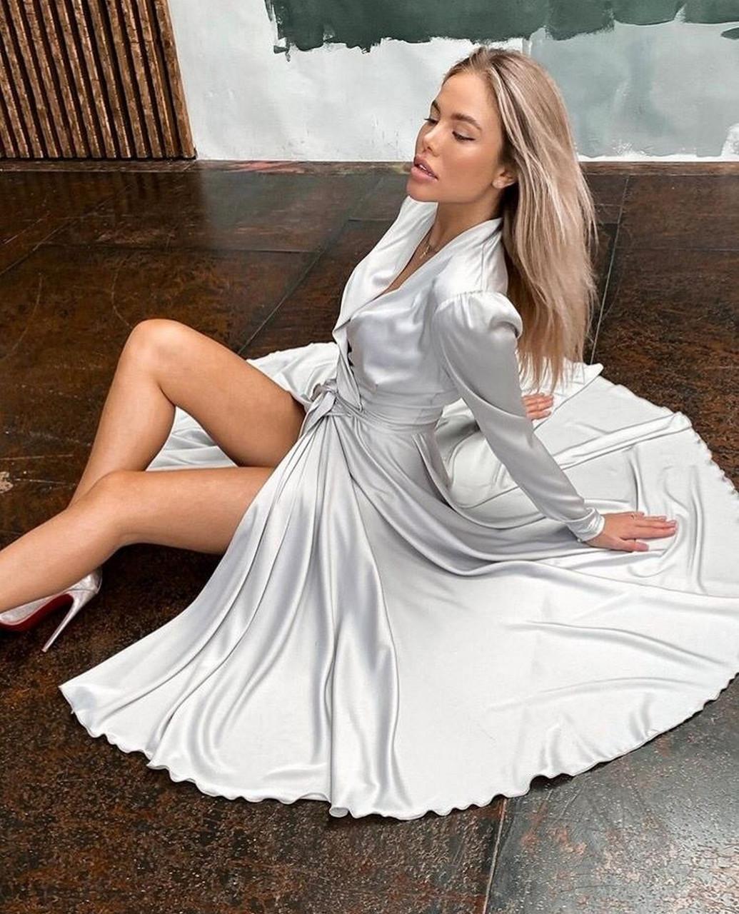Нарядное женское платье из шелка на запах с поясом, 00618 (Белый), Размер 44 (M)