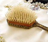 Старовинна бронзова щітка для волосся, щітка з ручкою, бронза, тканина, вишивка, дерево, Англія, вінтаж, фото 4