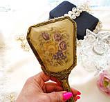 Старовинна бронзова щітка для волосся, щітка з ручкою, бронза, тканина, вишивка, дерево, Англія, вінтаж, фото 9
