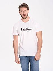 Белая мужская футболка с принтом Volcano хлопок