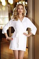 Женский короткий халатик белого цвета с поясом Lucy Eldar.