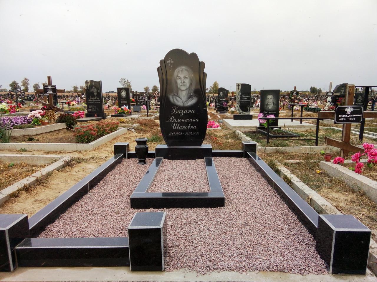 Пам'ятник гранітний одинарний 1-41