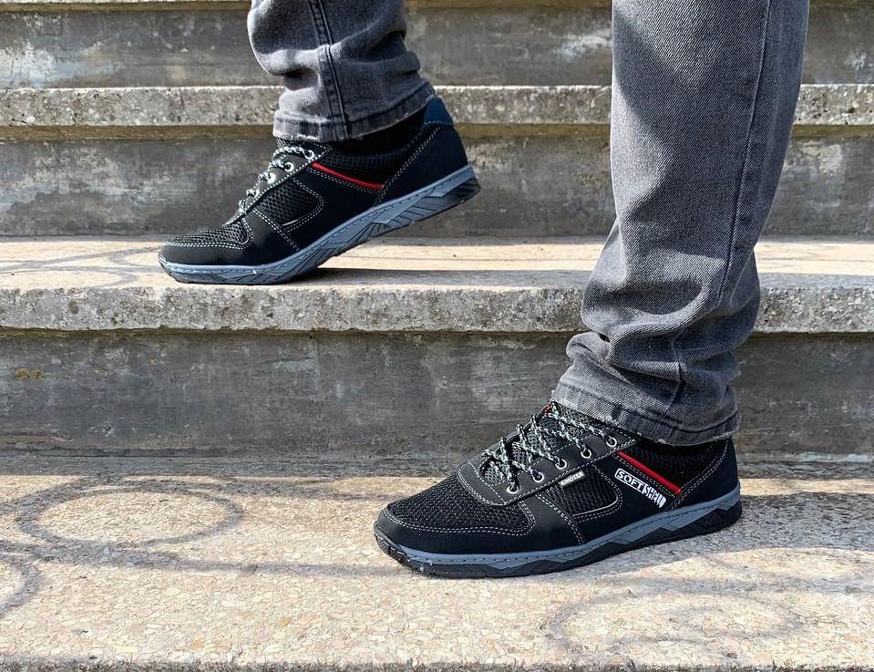 Кросівки чоловічі літні чорна сіточка