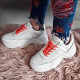 Кросівки жіночі білі на подошві, фото 2
