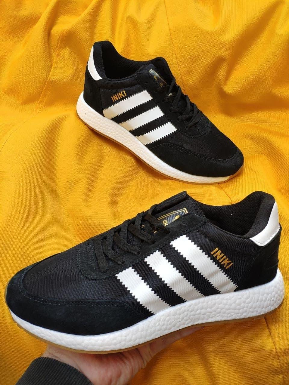Чоловічі кросівки Adidas Iniki Runner (чорно-білі) D108 якісна стильне взуття